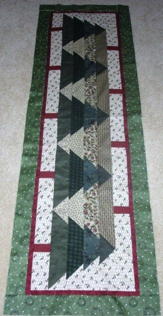 Christmas Table Runner Quilted.Can T See The Forest For The Trees Table Runner Quilt Pattern Christmas Year 2