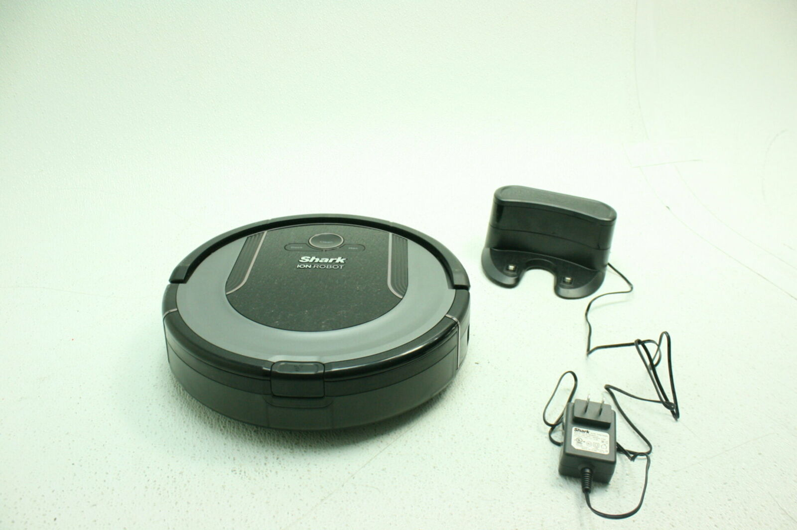 SHARK ION Robot Vacuum R85 WiFi-Connected Powerful RV850 FOR PARTS SEE NOTES