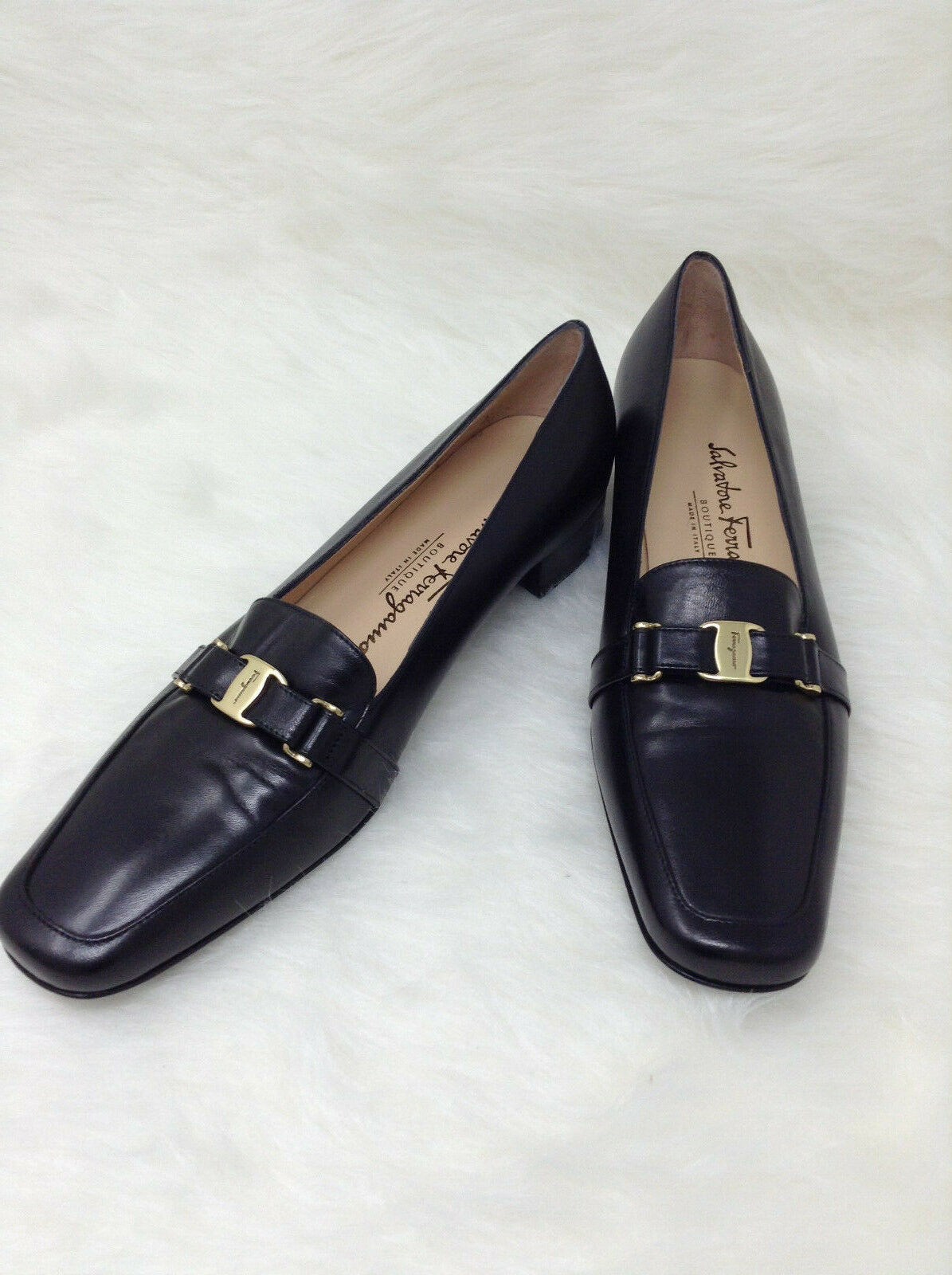 NEW, Salvatore Ferragamo Black Ladies Loafers, Sz 8 1 2 2 2 AAA 45e6b8