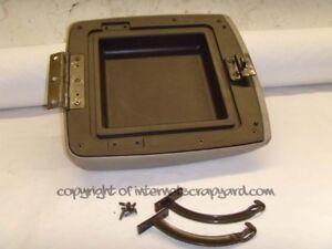 Nissan-Patrol-Y61-3-0-97-13-GR-centre-console-leather-arm-rest-pad-arms