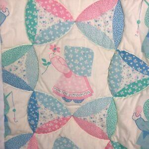 VTG-Sunbonnet-Sue-Handmade-Baby-Quilt-Blanket-Girl-Bonnet-Hand-Quilted-Spread