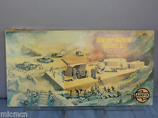 VINTAGE AIRFIX  MODEL  No.51650-7  GUN EMPLACEMENT ASSAULT SET   VN MIB