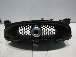 SMART-FORFOUR-453-FRONT-GRILL-GENUINE-REF-17W22