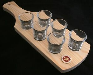 Army Lest We Forget Set of 6 Shot Glasses with Wooden Paddle Tray Holder BKG59 JE1YkUo0-09102258-357462311