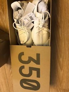 5743dbcd775 Adidas Yeezy Boost 350 V2 Tripple US 10 UK 9.5 EU 44 Authentic All ...
