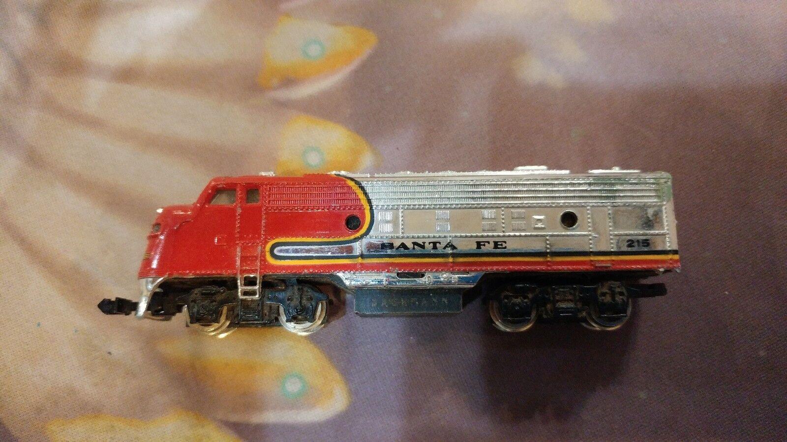 N Scale POWERED Santa Fe 215 Diesel Engine untested