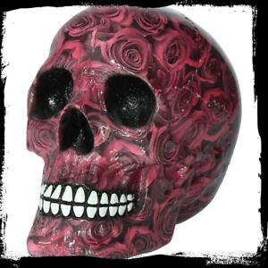Nemesis-Now-Skull-figurine-entitled-Romance