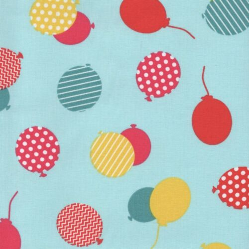 100/% Cotton Fabric Dressmaking Quilting Balloons in Blue