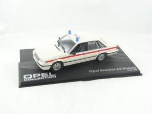 Altaya-Opel-Senator-A2-Notarzt-Die-cast-car-model-in-scale-1-43-New-in-Case