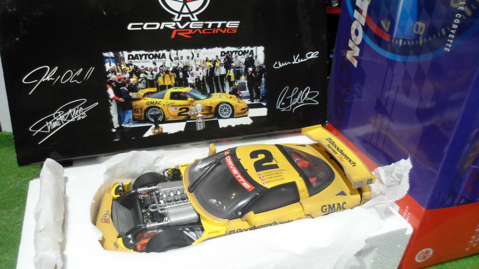 RACING CORVETTE C5R   2 jne 2001 1 18 ACTION 101585 voiture miniature collection