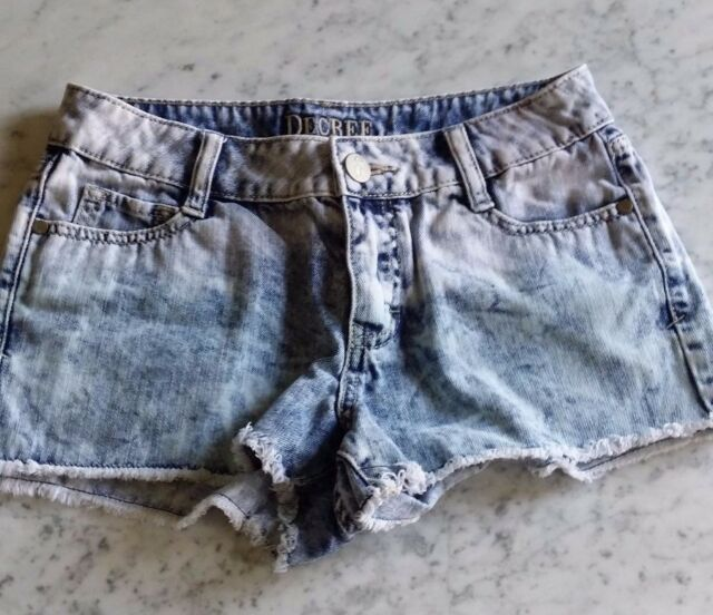 Free S&H !  DECREE Women's Two Toned Light Denim Shorts US Size 5