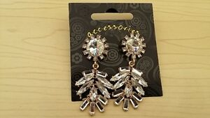BNWT-Elegant-Facet-Cut-Clear-Acrylic-Design-Statement-Earrings-Drop-5-5-cm
