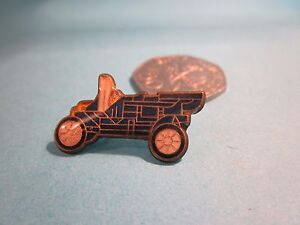 Metal and Enamel Pin Badge Blue Vintage Style Classic Car - Guernsey, United Kingdom - We offer refunds on items purchased as long as they are returned to us in the condition sent in the original packaging we dispatched in. If a received item is felt to have been incorrectly described or the wrong item is received - Guernsey, United Kingdom