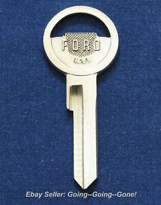Vintage 1952-1958 FORD emblem key blank  NOS