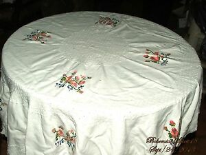 ANTIQUE-1930-039-s-VINTAGE-FRENCH-LINENS-ROSES-HAND-EMBROIDERY-ROUND-TABLE-CLOTH