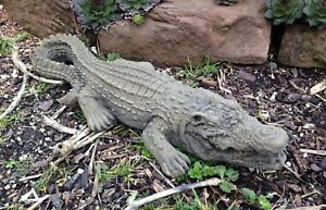 Krokodil-Kaiman-Tier-Kunst-Sandstein-Antik-Look-Steinguss-S-35-GRAU