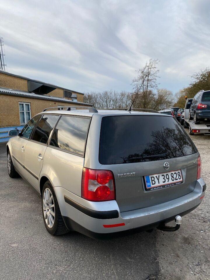 VW Passat 2,0 FSi Trendline Variant Benzin modelår 2000 km