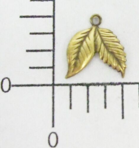 32523-4 Pc Leaf Jewelry Finding Charm Brass Oxidized