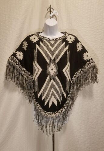 New MUDD Shawl Poncho Tribal Print Black /& White One Size Fits All Fringe Wrap