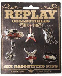 Kleidung & Accessoires Replay Jeans Est 1981 6 Collectible Pin Badges Bnwt New Metal & Plastic Badge Ein GefüHl Der Leichtigkeit Und Energie Erzeugen