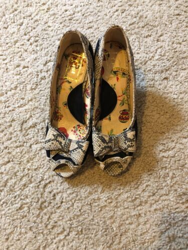"ANTROPOLOGIE ""Miss L Fire"" Sz US 37/ US 6.5 Pumps"