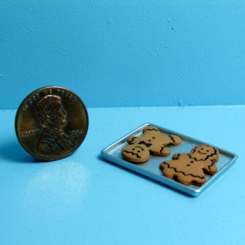 Dollhouse Miniature Christmas Gingerbread Couple on Tray ~ CAR0806