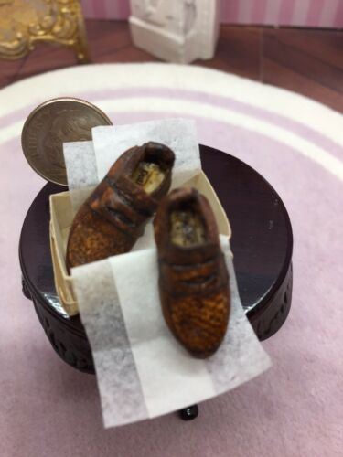 Artisan Dollhouse Miniature Gent's Penny Loafers In Box For Display