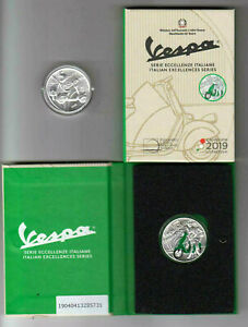 ITALIA-moneta-5-Ann-VESPA-PIAGGIO-2019-VERDE-e-cofanetto-per-tre-monete
