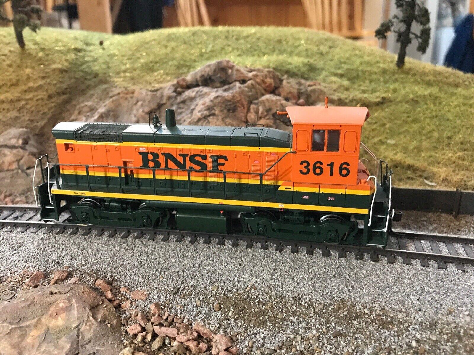 HO Athearn BNSF 3616 SW1000