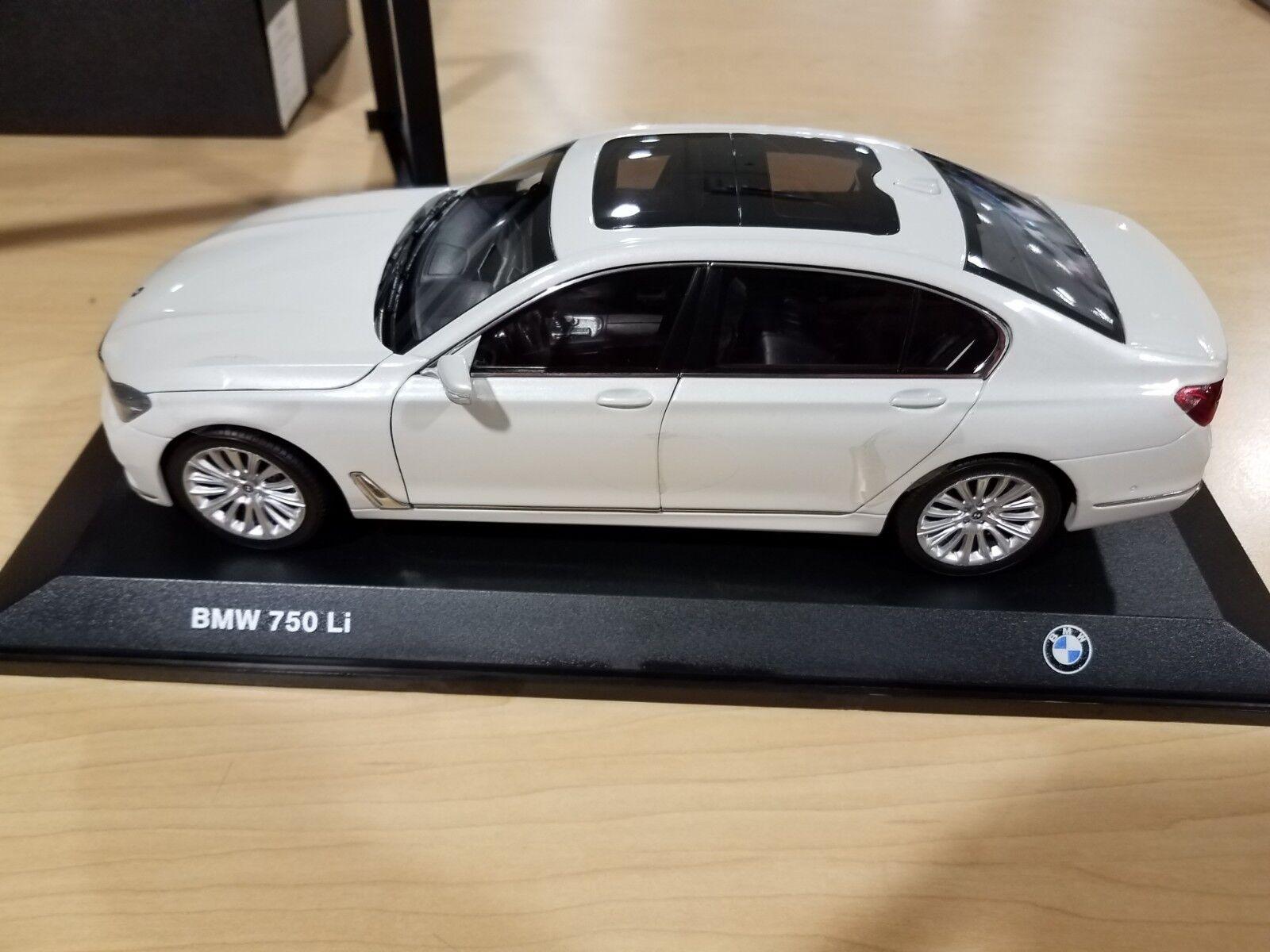 comprar barato BMW G12 750Li 1 18 Escala Escala Escala Modelo Coche Miniatura Coleccionables blancoo 80432405587  barato