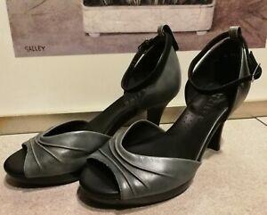 Kumfs Ziera Leather Heels Size 37.5 W