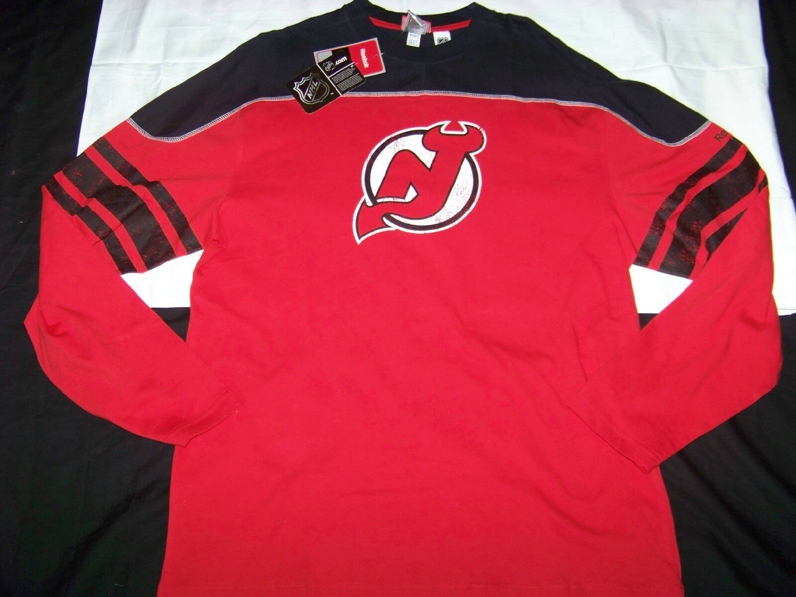Reebok Men's NHL Shoot Out New Jersey Devils Long Sleeve Shirt NWT