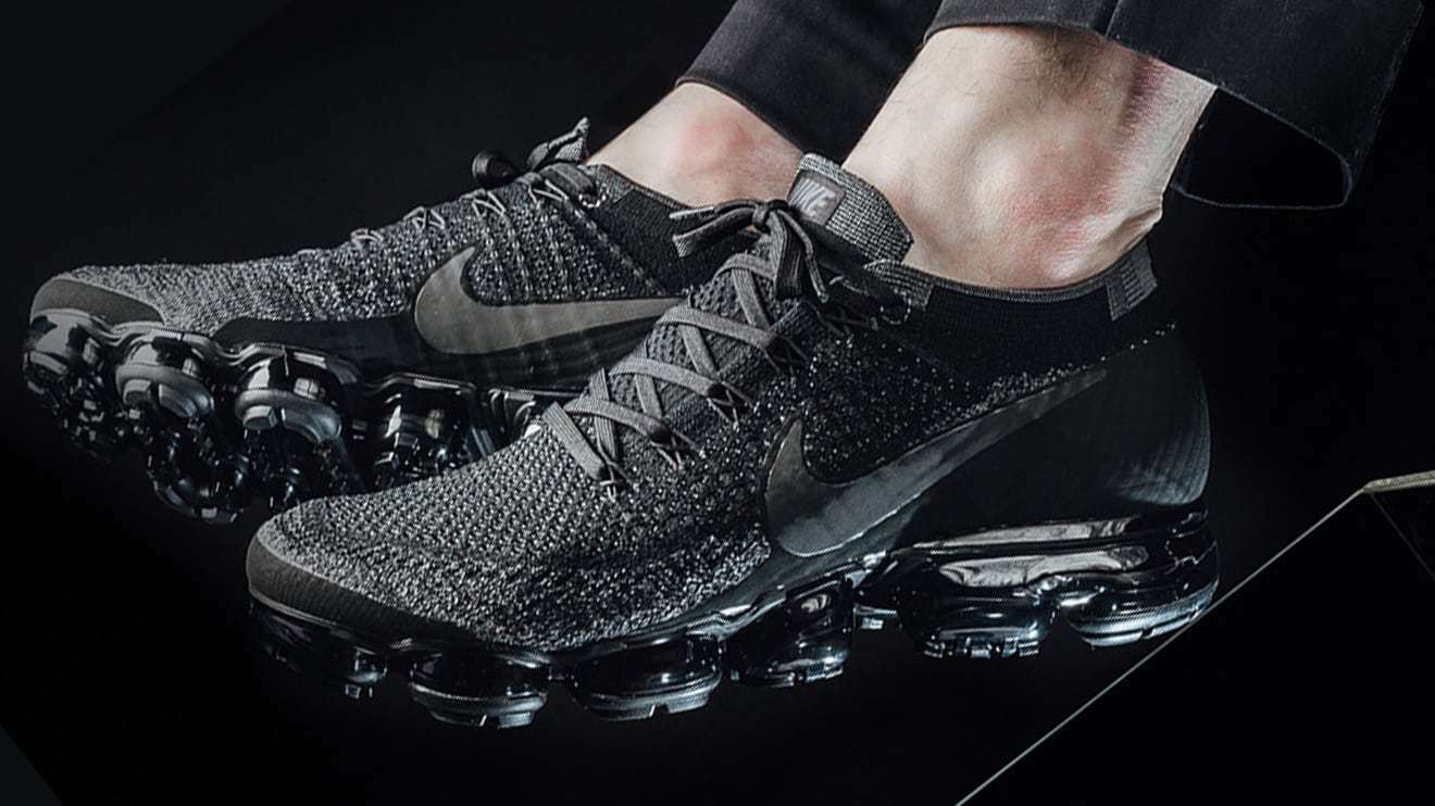 hot sale online a4dfe 1547c ... reduced nike air dark vapormax flyknit triple noir dark air gris homme  trainers all tailles f71765