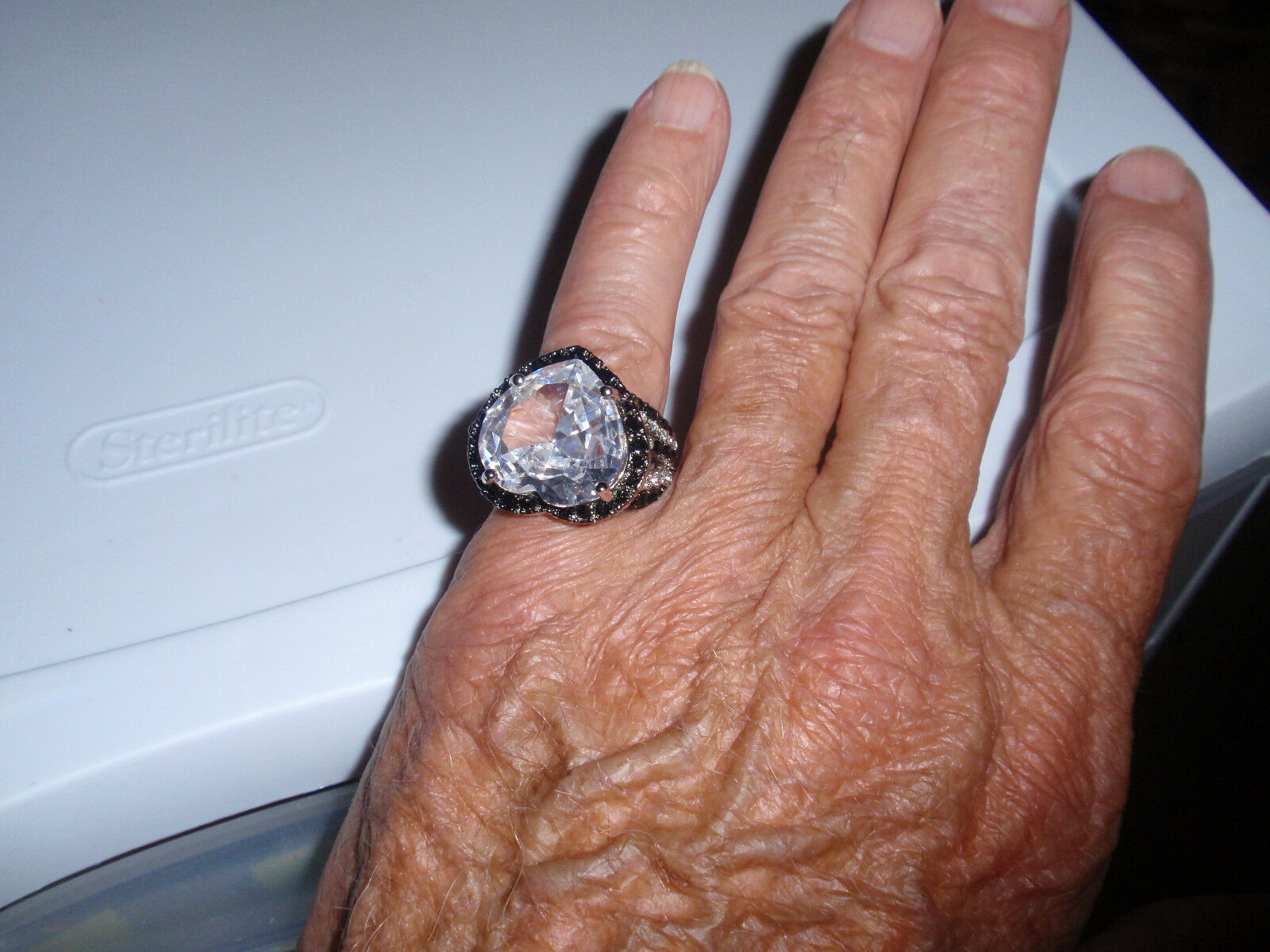 Park Lane Jewelry, Retired  JET'AIME  Ring, Size-9 1 2, CZ & Crystals,New