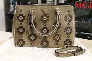 69d0b83240a3 Image is loading New-039-Prada-Leather-Floral-Applique-034-Spazzolato-