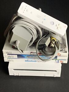 Nintendo Wii White Console RVL-001 bundle w/Games Cords And Controller