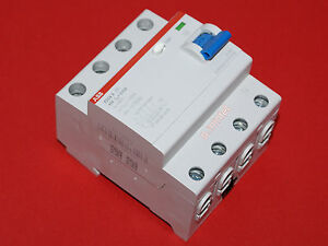 ABB Fehlerstrom-Schutzschalter FI F204A-40//0,03  40A  30mA  4-polig neu