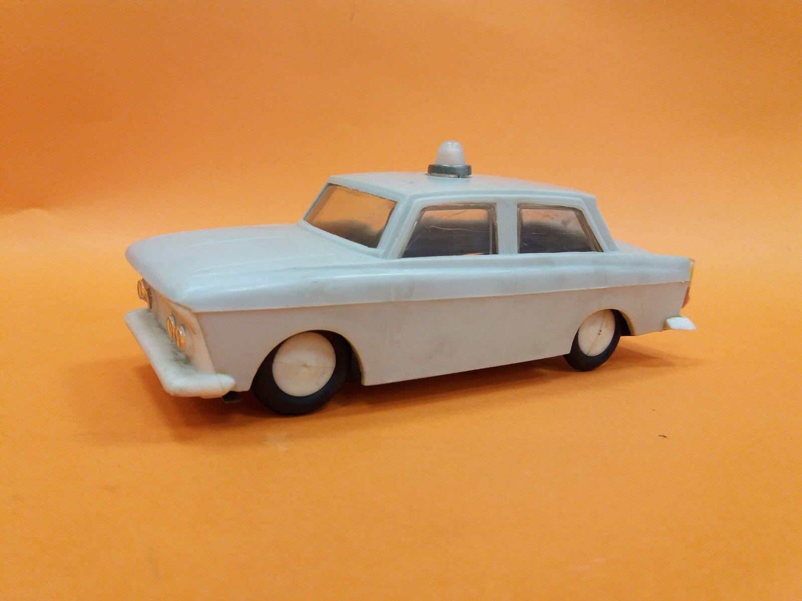 VINTAGE OLD    RARE PLASTIC SOVIET USSR  MOSKVITCH 408 FRICTION TOY AMBULANCE CAR a02f0e