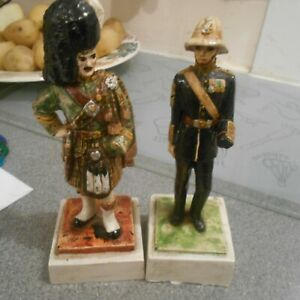 2-soldier-figurines-with-an-amputated-hand-chalk-based-30-40s-some-damage