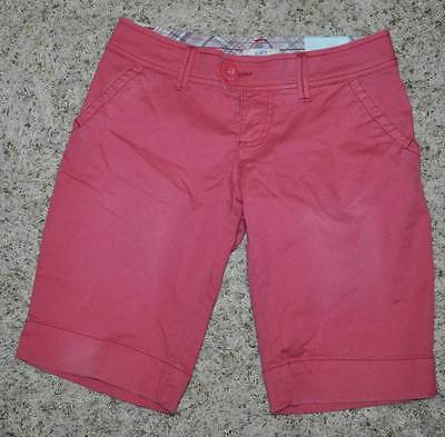 NWT $30-Juniors Girls SO Pink Rose Bermuda Shorts-size 17