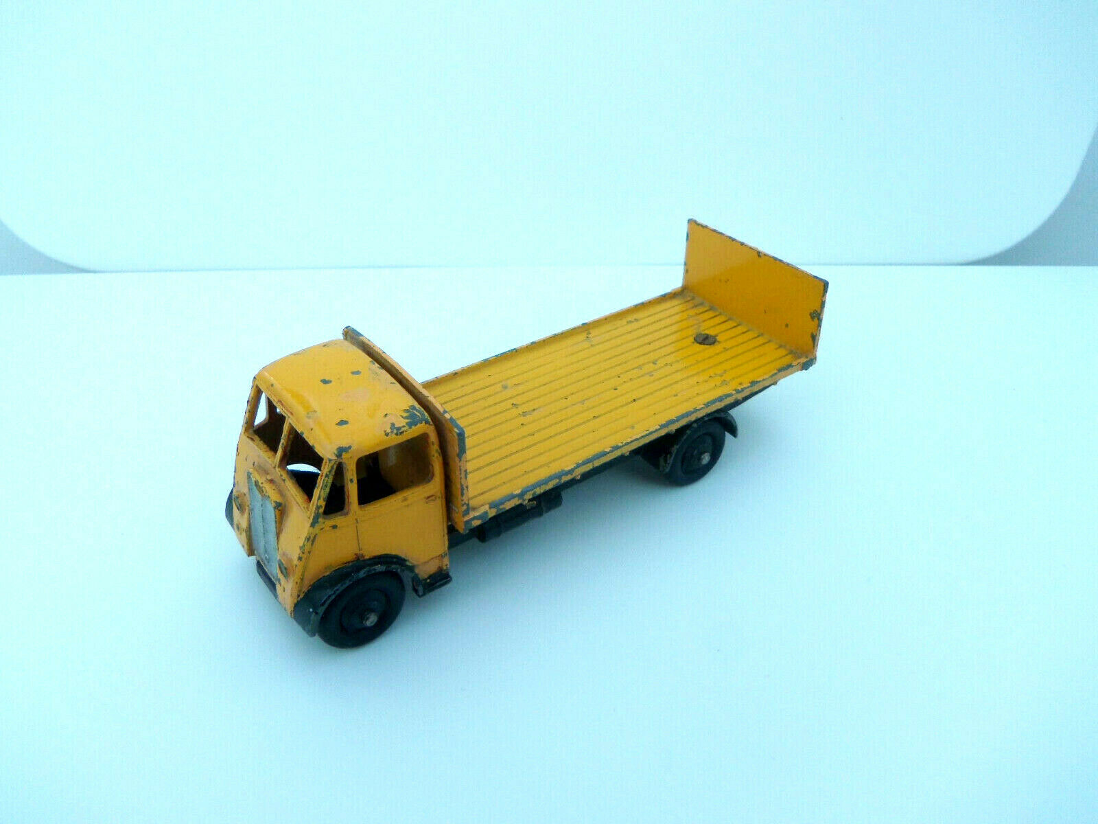 Dinky Toys 513 Guy Lorry Flatbed Truck With Tailboard Yellow- Not Atlas Dinky -