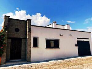 Casa Renta San Javier AMUEBLADA 3 Recamaras 4 Baños 1 Nivel 1 Est Factura. T3