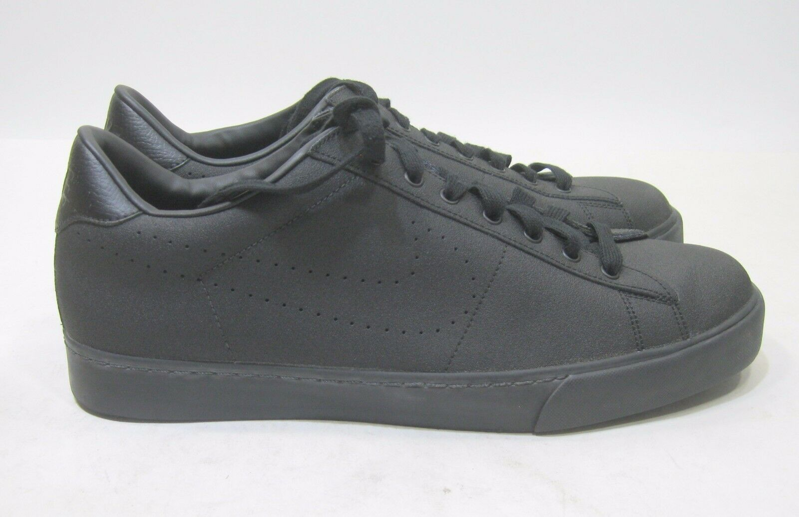 New Nike Navaro Low Lifestyle shoes Black 484298 002 Size 13
