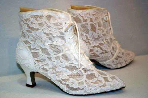 Sz 8 B White Lace Vtg 1980s Dyeables Grannie Boots