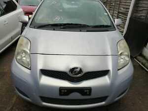 2010 Toyota Vitz/Yaris 1.0 Petrol 5 dr hatchback fully Automatic silver 41000 ML