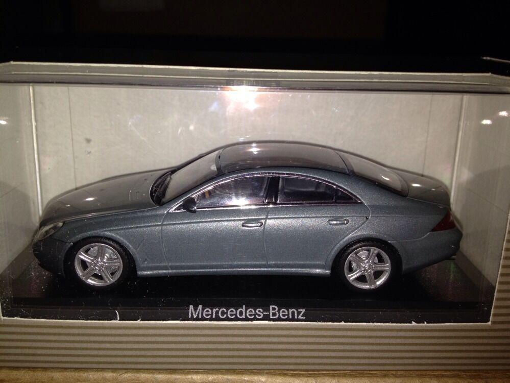 Minichamps Mercedes CLS Grey 1 43 Dealer Edition