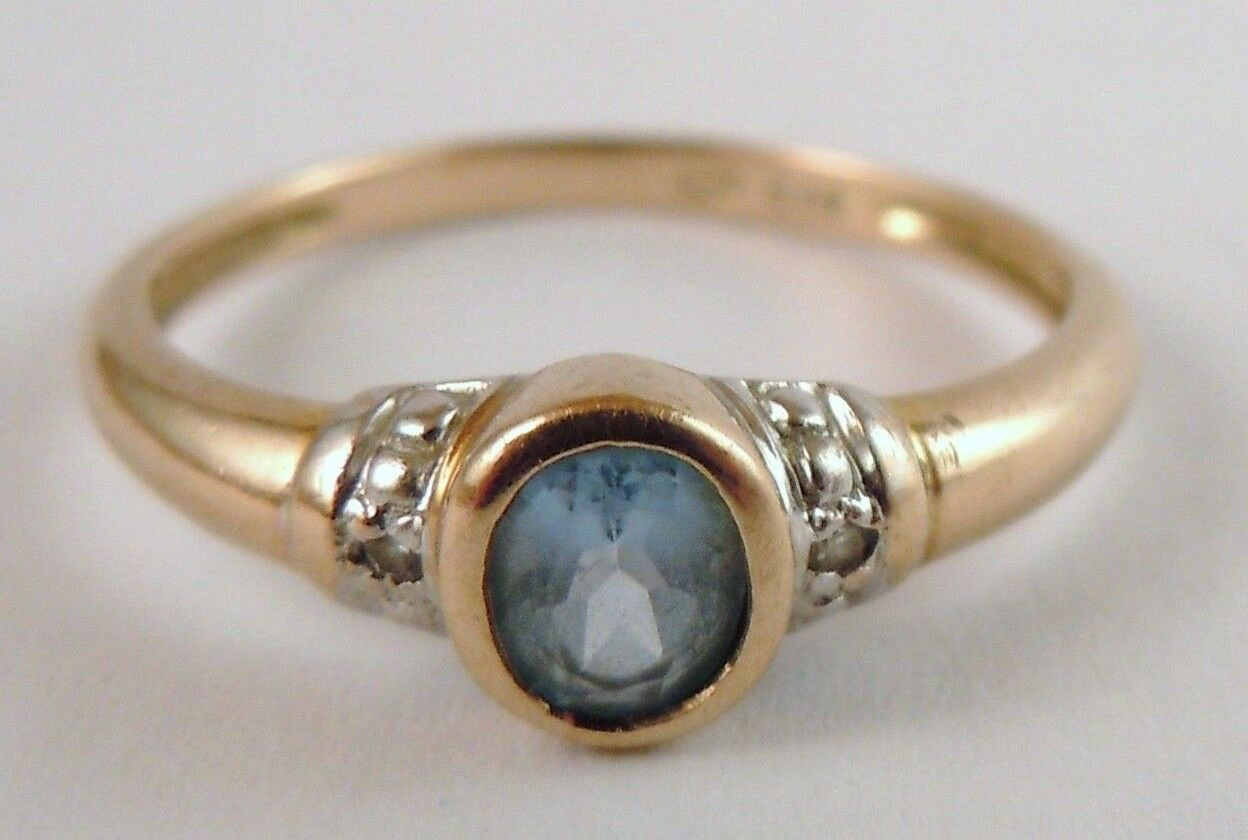 100% Genuine Vintage 9ct Solid Yellow gold and Natural Topaz Ring Sz 6.5 US