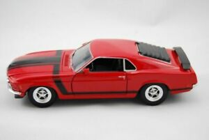 B Welly 1:24 2001 Volkswagen Bora Druckguss Red 28429 n