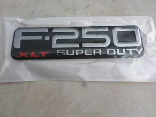 1999-2004 Ford F-250 Super Duty XLT Fender Emblem Right Left F81Z-16720-RA Logo