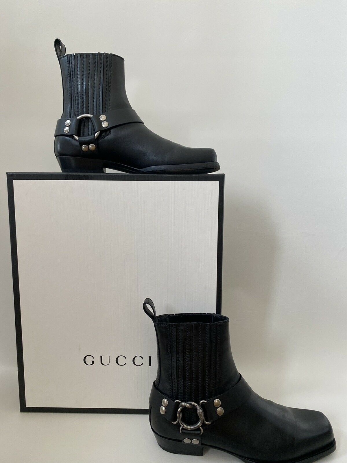 Gucci Men's Leather Boots With Snake Ring
